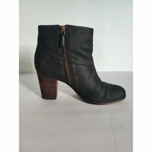 Cole hann b leather ankle boot Women's size 6.5B